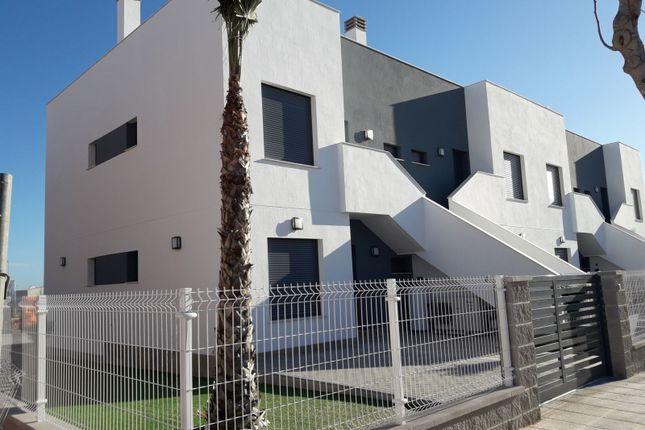 Bungalow for sale in Pilar De La Horadada, Alicante, Spain