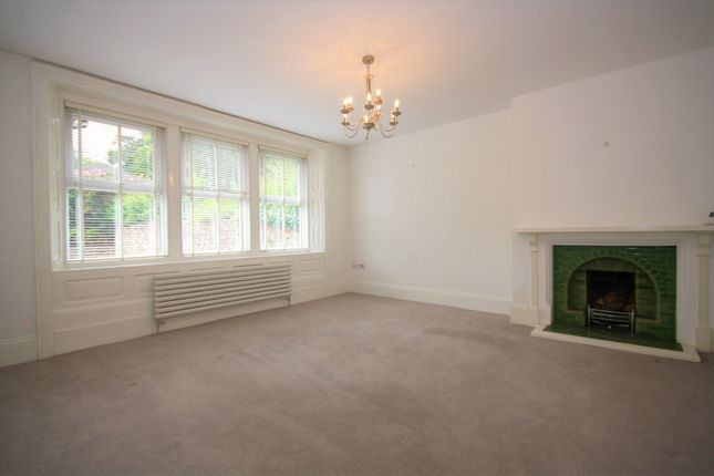 Thumbnail Flat to rent in Church Road, Crowborough