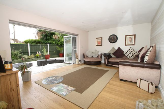 Thumbnail Detached house for sale in Chapman Road, Canvey Island