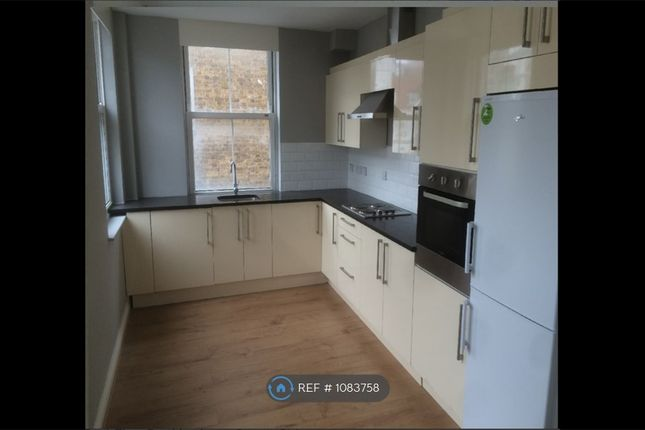 1 bed flat to rent in Buckingham Court, Slough SL1