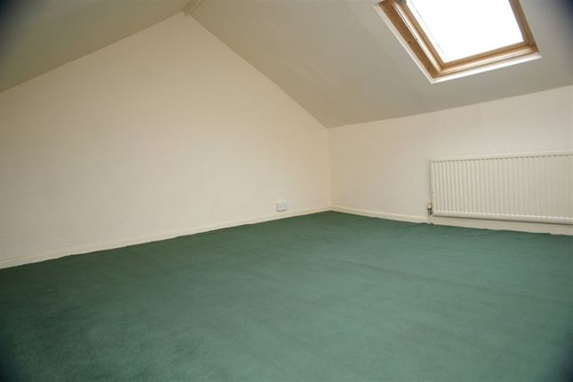 Thumbnail Flat to rent in Chorley Old Road, Bolton