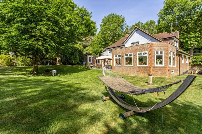 Picture No. 39 of The Glade, Kingswood, Tadworth, Surrey KT20