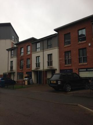 Thumbnail Town house to rent in Midhope Drive, Oatlands, Glasgow