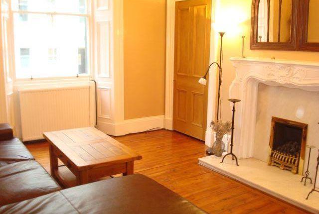 2 bedroom flat to rent in Cornwall Street, Edinburgh