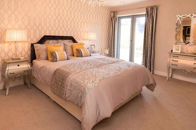 2 bedroom flat for sale in Leatherhead Road, Bookham, Leatherhead