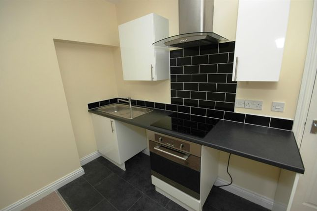 1 bed flat to rent in Newport Road, Roath, Cardiff CF24
