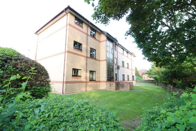 Flat for sale in Nightingale Grove, Southampton