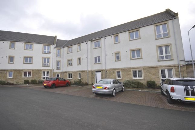 Thumbnail Flat to rent in Overton Road, Kirkcaldy