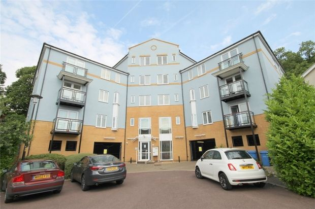 Thumbnail Flat to rent in Pier Close, Portishead, Bristol, Somerset
