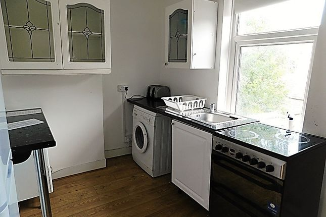 Thumbnail Flat to rent in Tormount Road, Plumstead, London