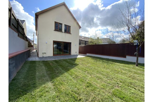 3 bed detached house for sale in Llansteffan Road, Carmarthen SA31