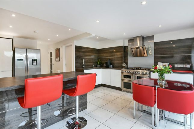 Thumbnail Town house for sale in Kingsway, Selsey, Chichester