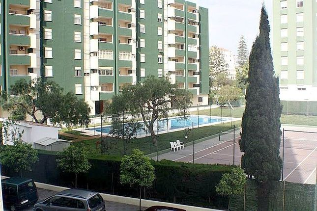 3 bed apartment for sale in Fuengirola, Málaga, Spain