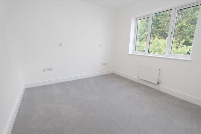 Bed 3 of Manor Road, Wallington SM6
