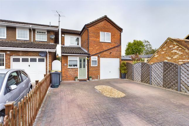 3 bed detached house for sale in Hunts Field, Great Barford, Bedford MK44