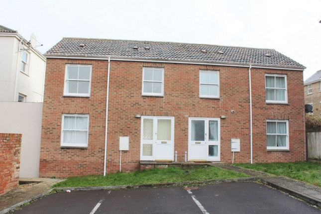 2 bed semi-detached house to rent in Langford Court, East Reach, Taunton