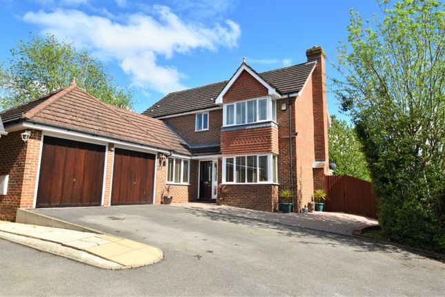 Thumbnail Detached house for sale in Thanstead Copse, Loudwater