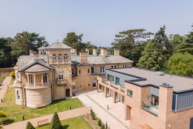 2 bed flat for sale in Mount Battenhall, Worcester WR5