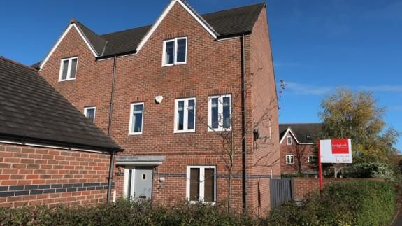 Thumbnail Town house for sale in Maynard Road, Altrincham, Greater Manchester