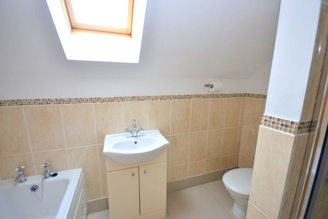 Semi-detached house to rent in Sackville Street, Grimsby
