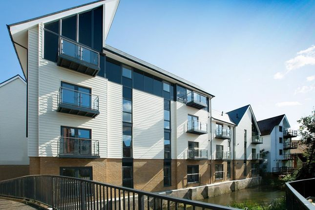 Thumbnail Flat to rent in Stour Street, Canterbury