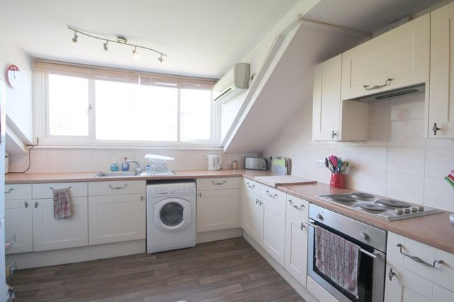 Flat to rent in Beacon Hill, Islington