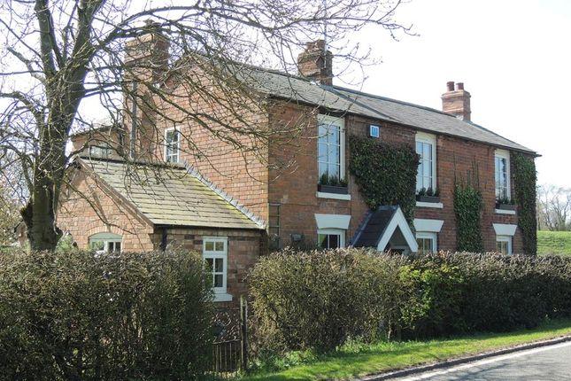 Detached house in  Old Warwick Road  Rowington  Warwick C Birmingham