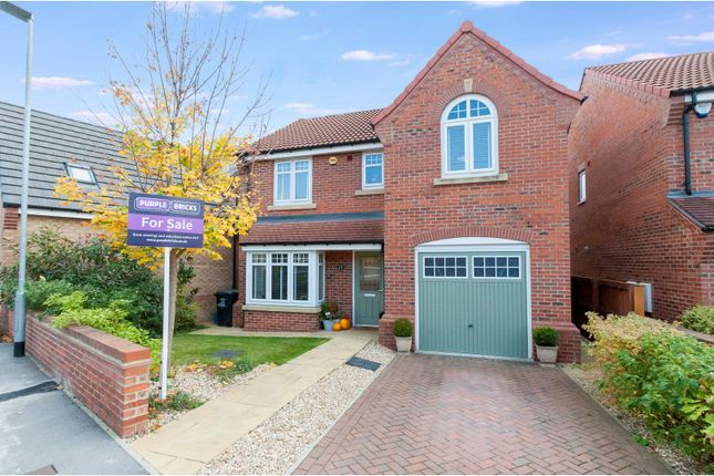 Thumbnail Detached house for sale in Fenlake Walk, Rotherham