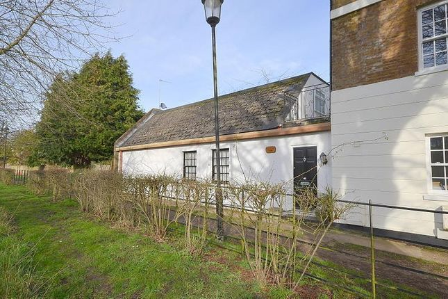 4 bed semi-detached bungalow for sale in Thames Street, Lower Sunbury TW16