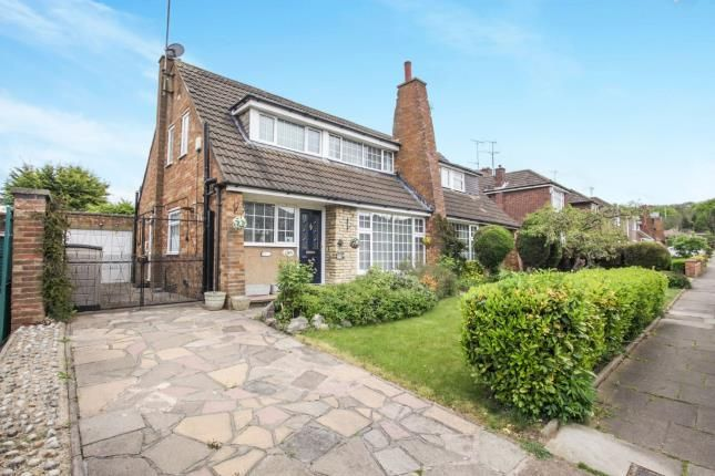 Thumbnail Bungalow for sale in Runley Road, Luton, Bedfordshire, .