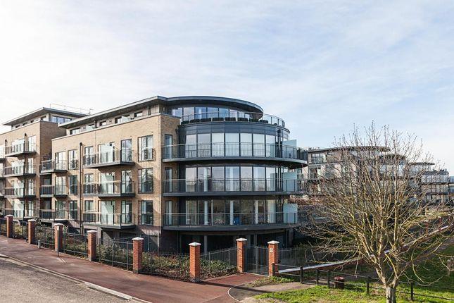 3 bed flat for sale in Keynes House, Kingsley Walk, Cambridge CB5