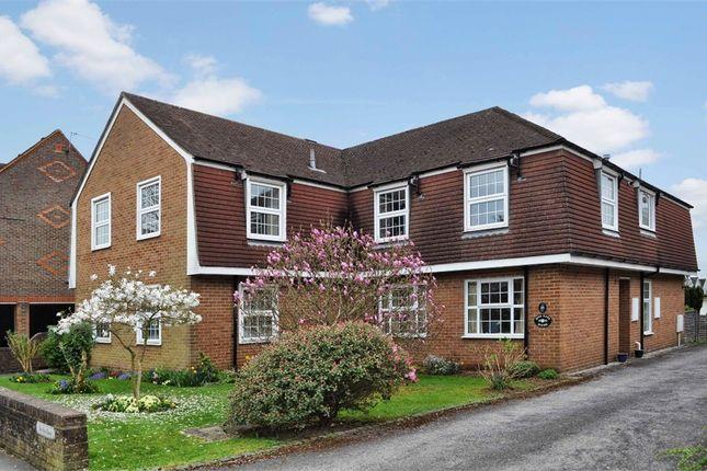 Thumbnail Flat to rent in 18 Bois Lane, Amersham, Buckinghamshire