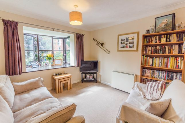 Thumbnail Flat for sale in Walkers Place, Reading