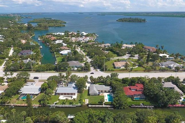 3 bed property for sale in 527 E Causeway Boulevard, Vero Beach, Florida, 32963, United States Of America