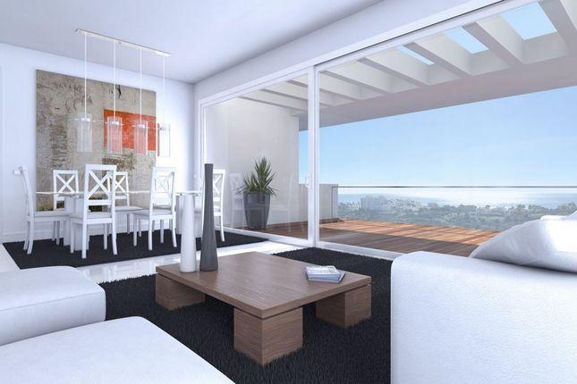 3 bed apartment for sale in Estepona, Málaga, Spain