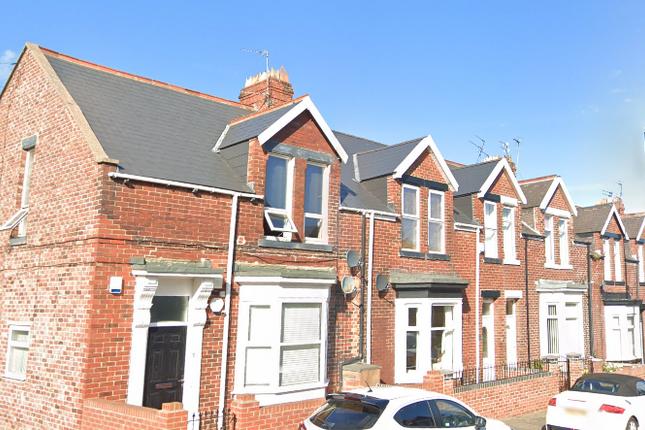 2 bed flat to rent in Cleveland Road, Sunderland SR4
