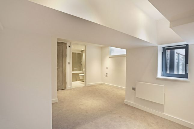 Thumbnail Flat to rent in Verona, Wellington Street, Slough