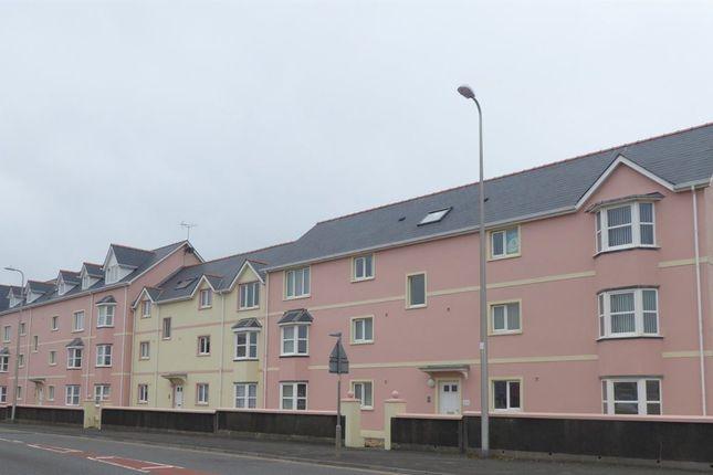 Thumbnail Flat to rent in Borough View, Pembroke Dock, Pembrokeshire