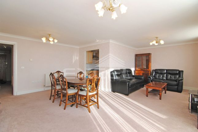 2 bed flat to rent in Regent Court, 1 North Bank, St Johns Wood