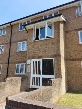 Thumbnail Flat to rent in Fort Pitt Street, Chatham
