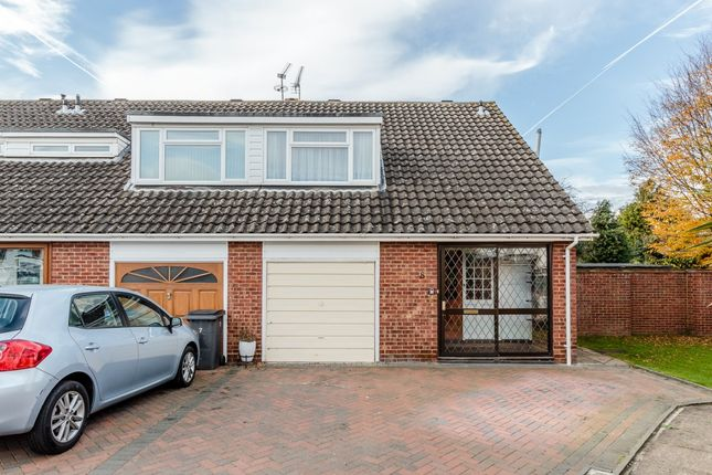 Clifton Close, Addlestone, Surrey KT15
