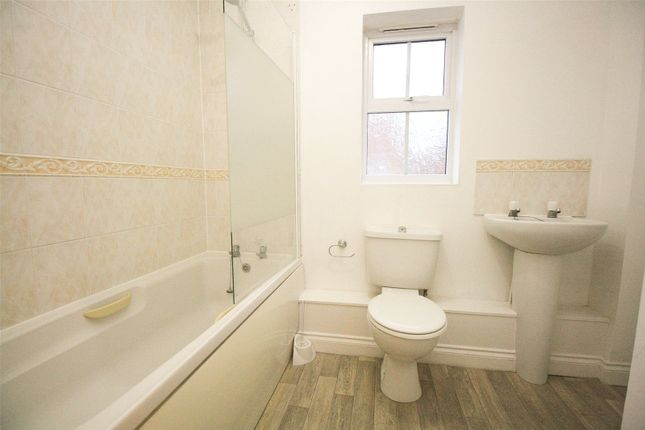 Bathroom of Knevett Close, Colchester, Essex CO4