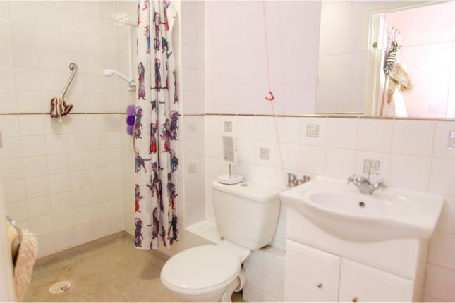 Bathroom of Rosemary Close, Nottingham NG8