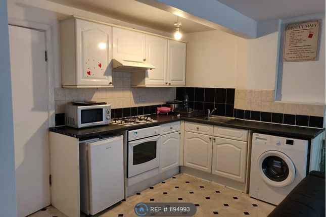 Thumbnail Room to rent in K M G Building, Rugby
