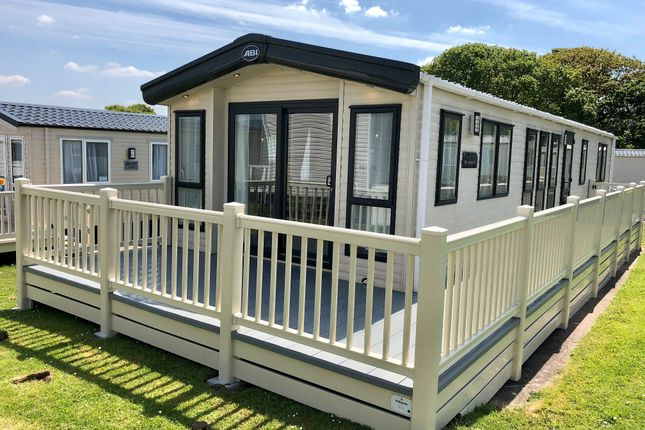 Mobile/park home for sale in Hoburne Blue Anchor, Blue Anchor, Minehead