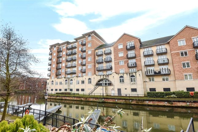 Thumbnail Flat for sale in Blakes Quay, Gas Works Road, Reading, Berkshire