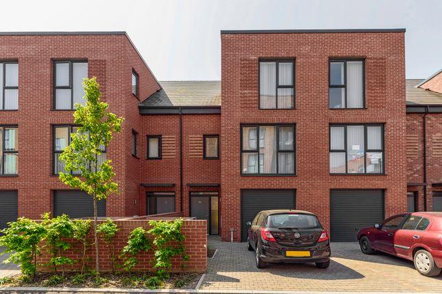 Thumbnail Semi-detached house to rent in Reynard Way, Brentford