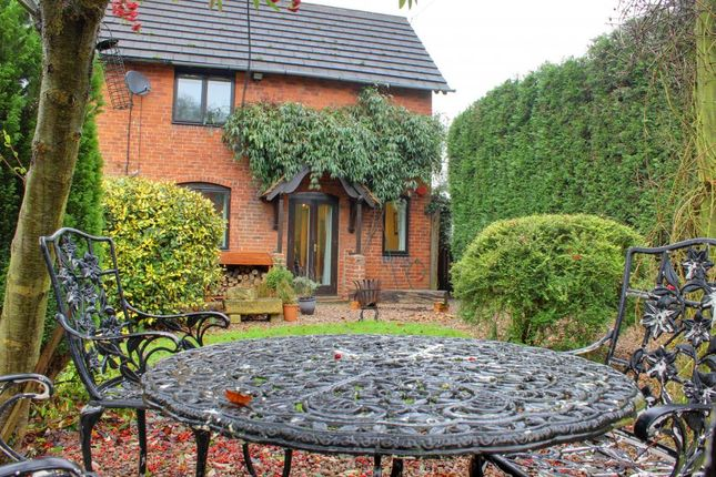 Thumbnail Cottage for sale in Ashbourne Road, Sudbury, Ashbourne