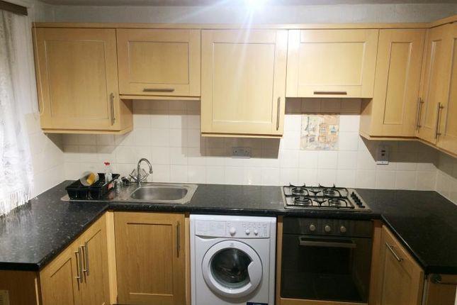 3 bed terraced house to rent in Coal Road, Whinmoor, Leeds