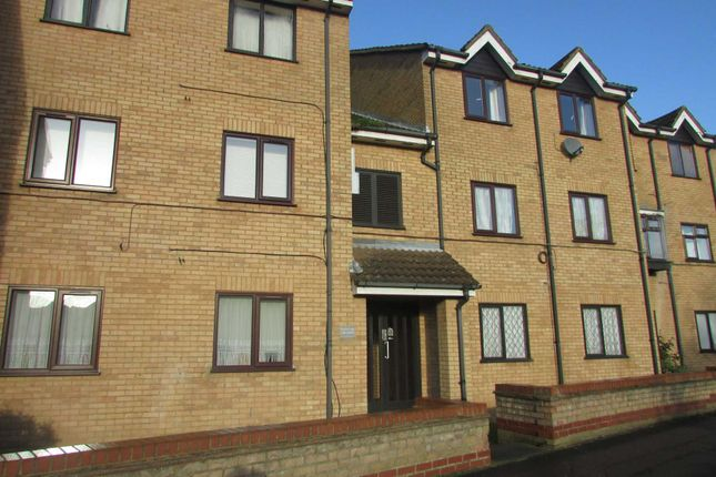 1 bed flat for sale in Lion Court, Borehamwood WD6